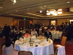 今回、初顔合わせの参加人数は家族も含めて160人でした。沢山の人でいっぱいでした。