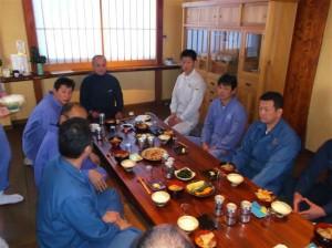 ここでは会長による、食事作法の研修がありました。