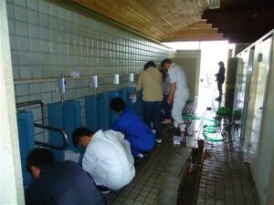 4月21日(日)第2回トイレ清掃が臨海公園にて行われました。