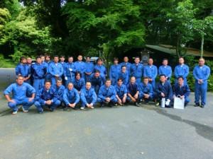 平成25年6月2日、第2回水戸安全会議が行われました。※写真は会議前の行われたトイレ清掃での集合写真。
